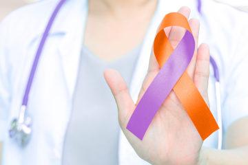 Fevereiro Roxo conscientiza para doenças autoimunes e Leucemia